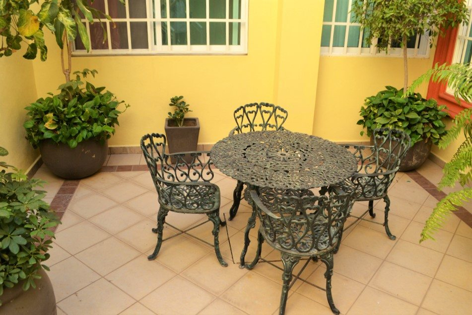 Apartment Belice Courtyard