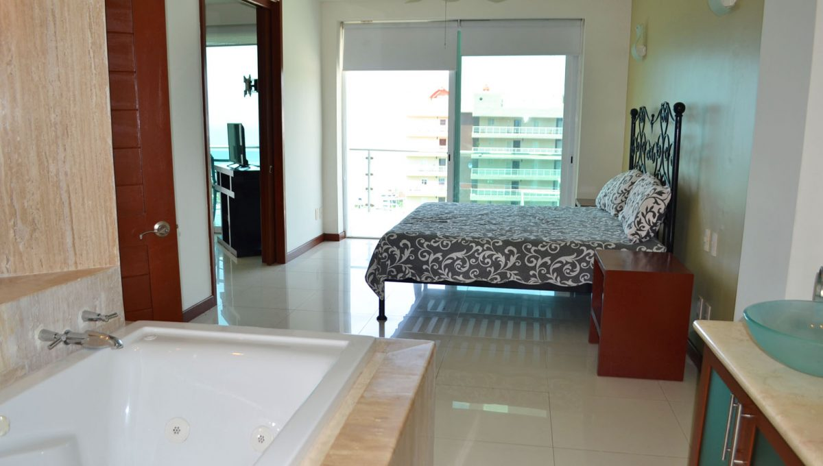 torre-diamante-10-puerto-vallarta-long-term-condo-rental-16