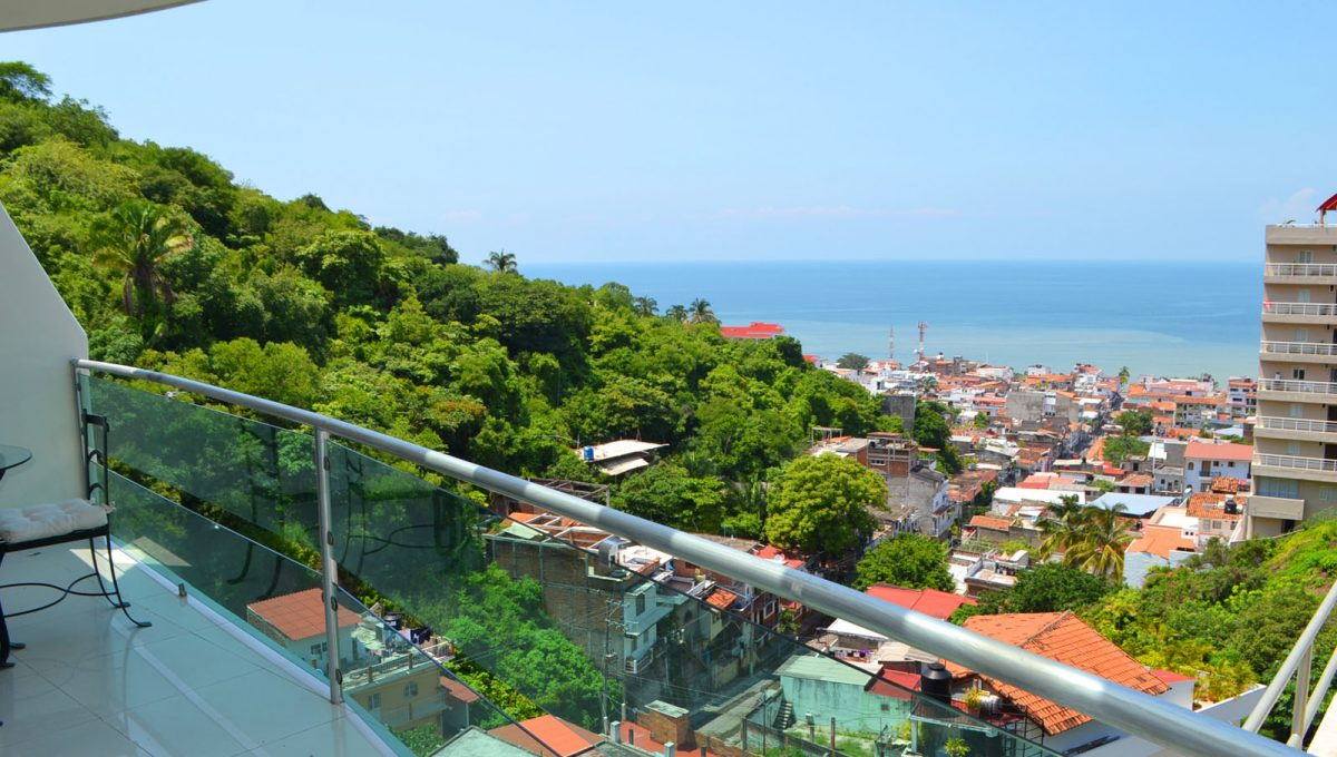 torre-diamante-10-puerto-vallarta-long-term-condo-rental-19