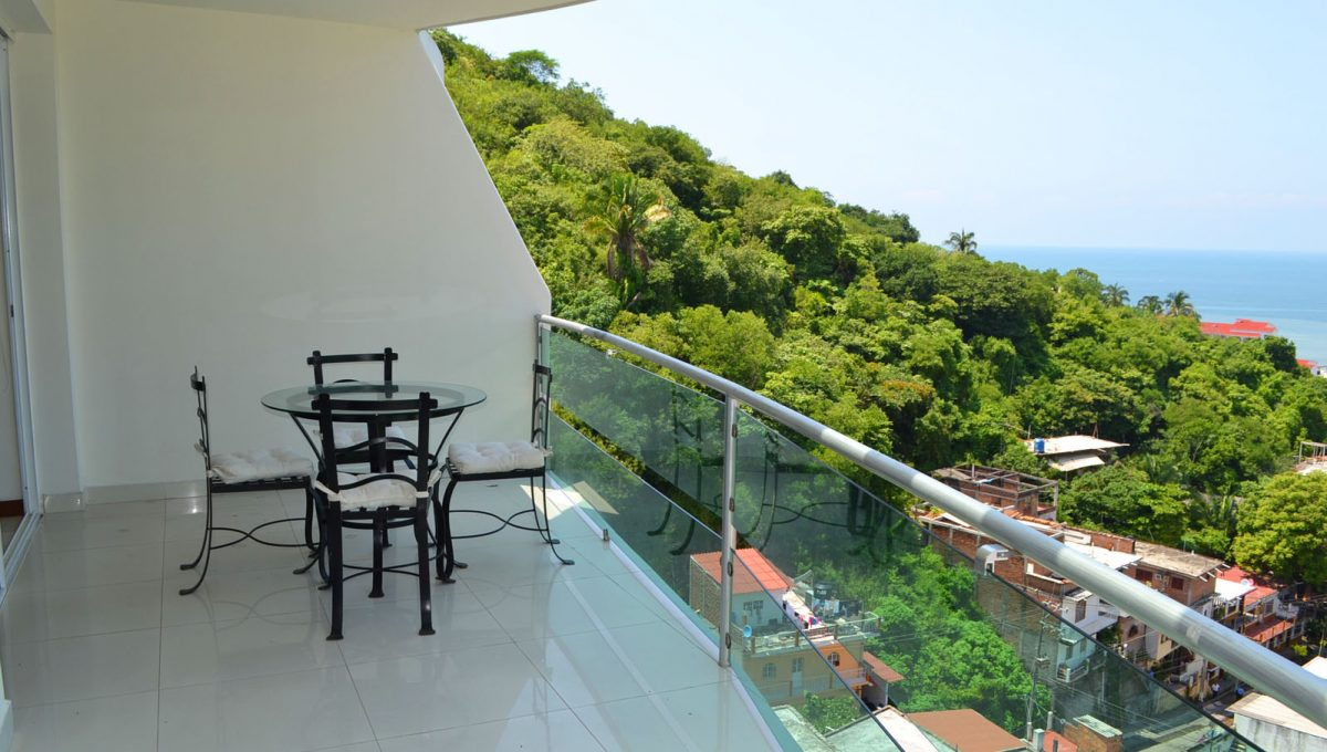 torre-diamante-10-puerto-vallarta-long-term-condo-rental-22