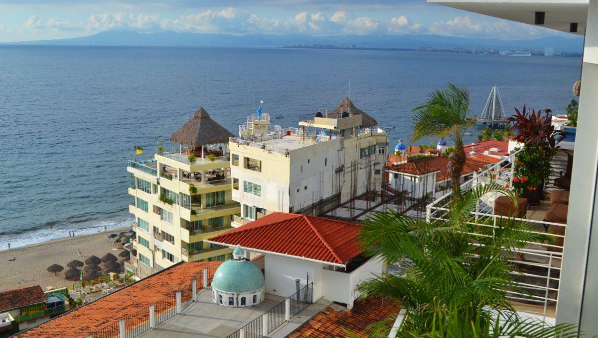 villa-santa-barbara-1bd-amapas-puerto-vallarta-condo-rental-41