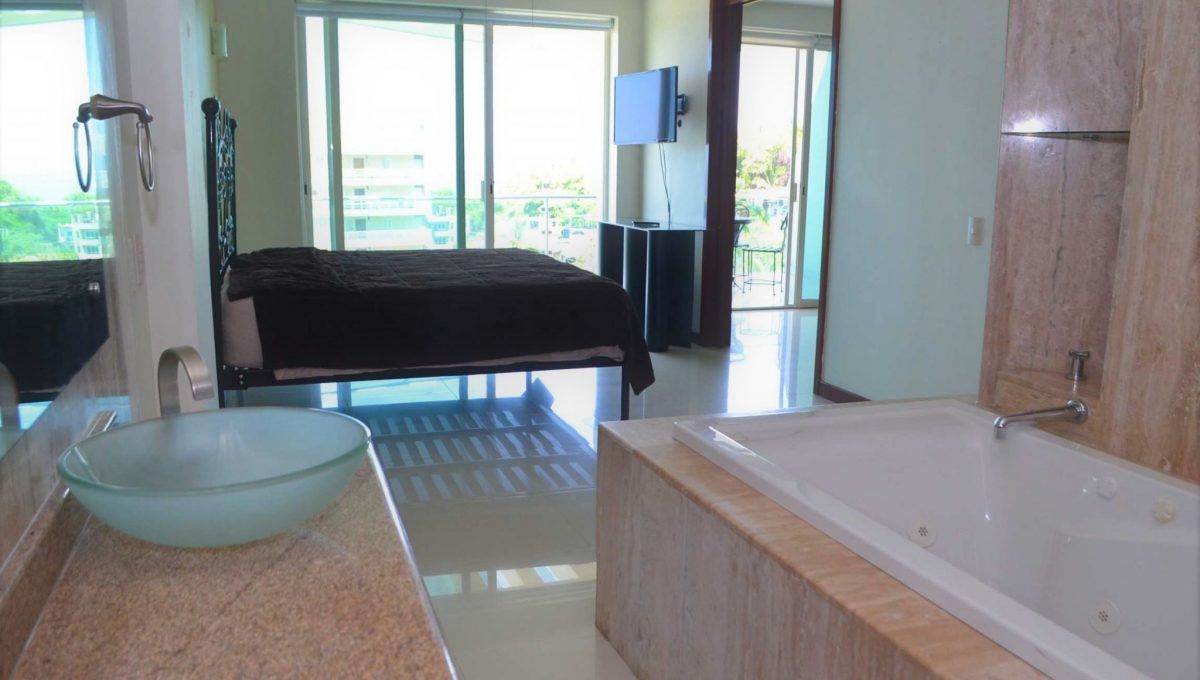 Condo Torre Diamante 10 - Puerto Vallarta Condo Rental Long Term 5 de Diciembre (15)