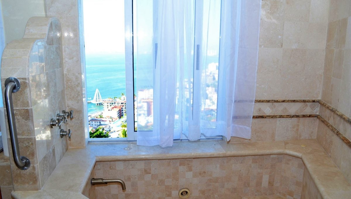 Condo Betty - Vallarta Dream Rentals Amapas Condo For Rent Vacation Puerto Vallarta (10)