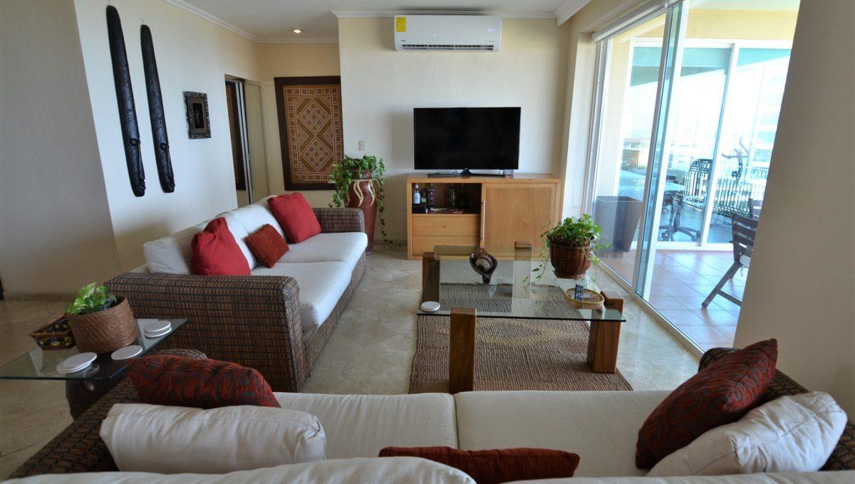 Condo Caracoles 1005 3 bd 3ba - Marina Vallarta Puerto Vallarta Long Term Rental (1)