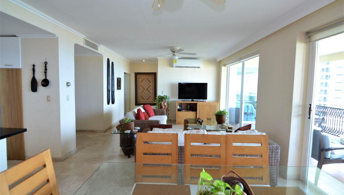 Condo Caracoles 1005 3 bd 3ba - Marina Vallarta Puerto Vallarta Long Term Rental (10)