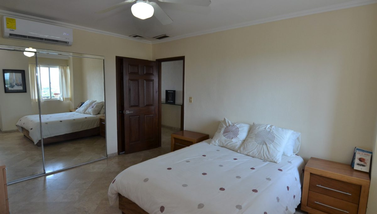 Condo Caracoles 1005 3 bd 3ba - Marina Vallarta Puerto Vallarta Long Term Rental (17)