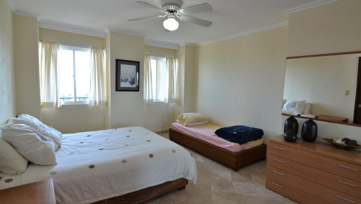 Condo Caracoles 1005 3 bd 3ba - Marina Vallarta Puerto Vallarta Long Term Rental (18)