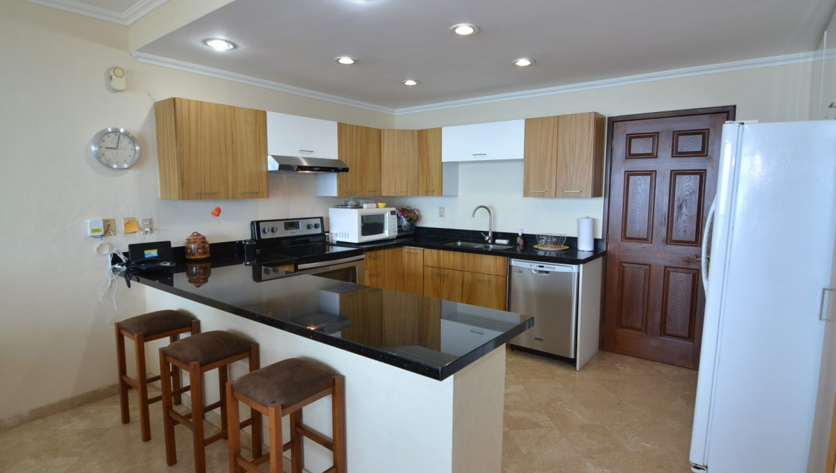 Condo Caracoles 1005 3 bd 3ba - Marina Vallarta Puerto Vallarta Long Term Rental (4)