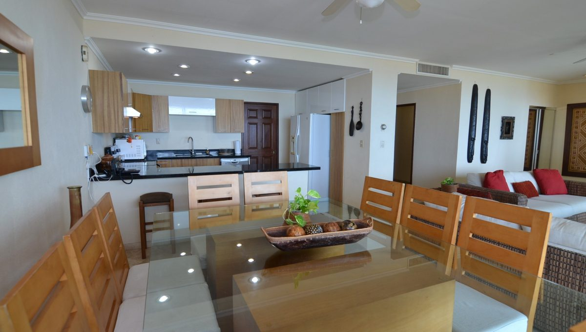 Condo Caracoles 1005 3 bd 3ba - Marina Vallarta Puerto Vallarta Long Term Rental (8)