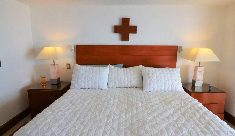 Condo Portofino 1104 3BD 3BA For Rent Marina Vallarta (32)