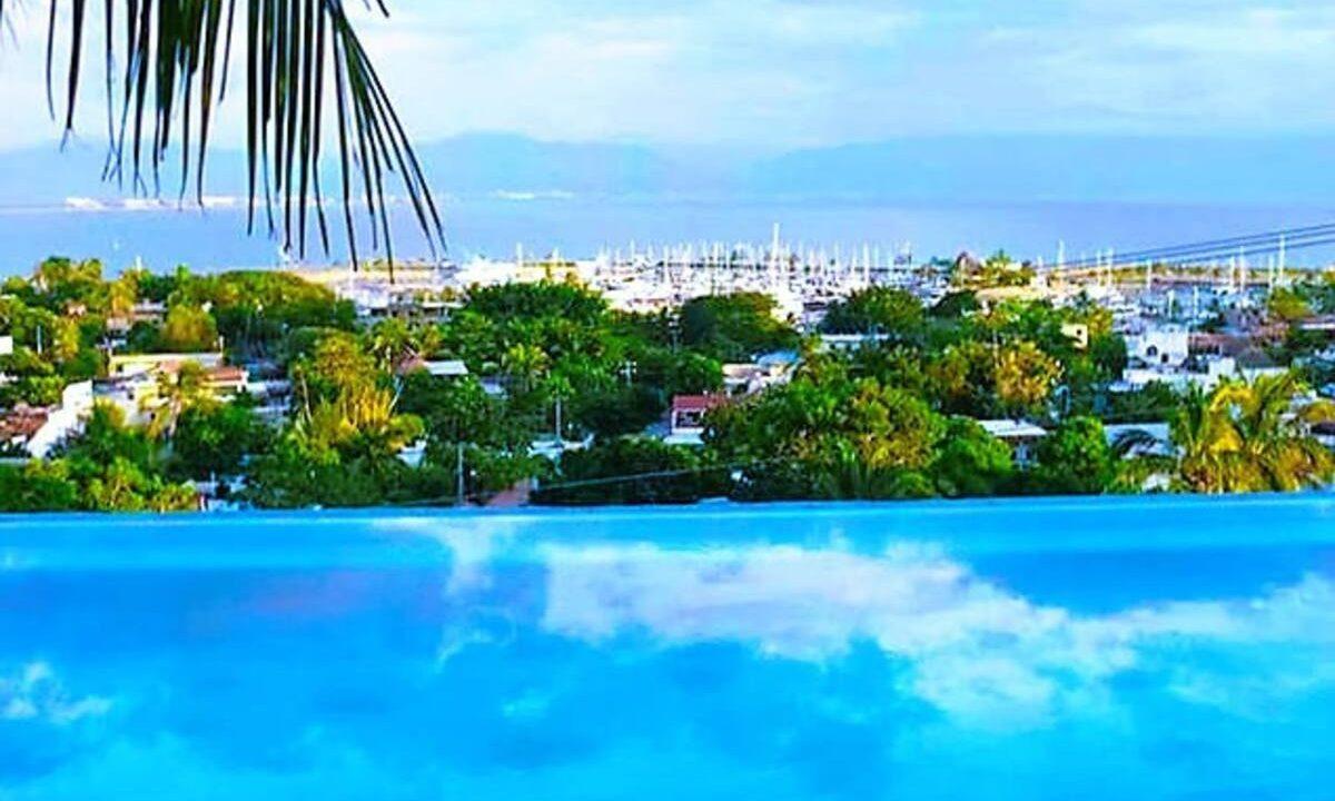 Exotic Point Pool La Cruz