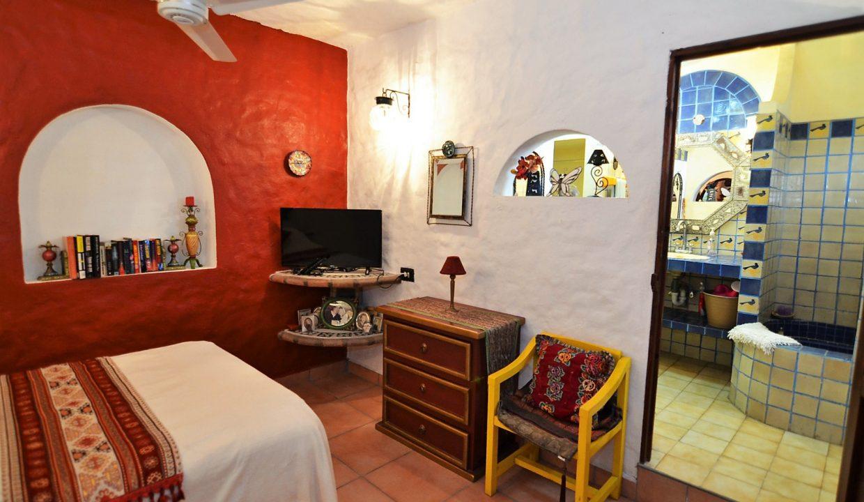 Casa Carrie Romantic Zone - Puerto Vallarta Vacation Rental 2BD 2 (29)