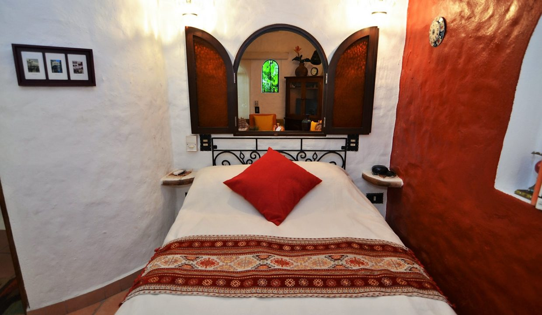 Casa Carrie Romantic Zone - Puerto Vallarta Vacation Rental 2BD 2 (30)