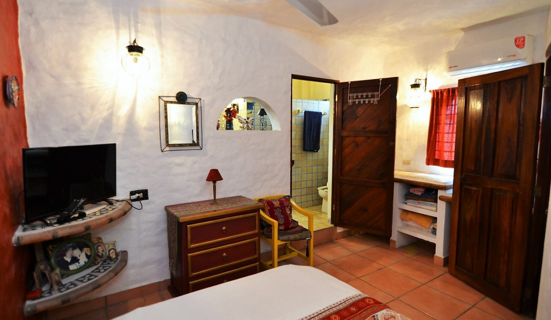 Casa Carrie Romantic Zone - Puerto Vallarta Vacation Rental 2BD 2 (31)