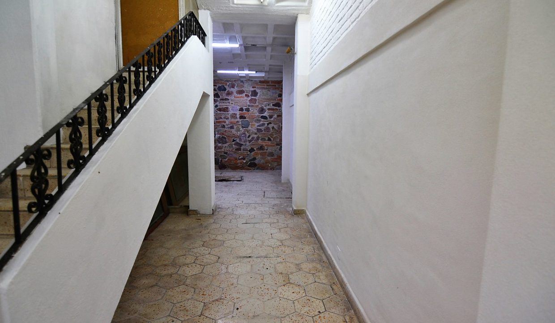 Local Juarez - Puerto Vallarta Commercial Space For Rent Centro Downtown (1)